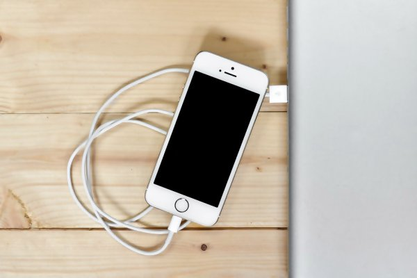 17+ Amazing Tips & Tricks to Improve iPhone Battery Life 2018 (How to Save iPhone Battery Life)
